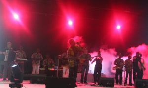 Zieti and Matuto onstage